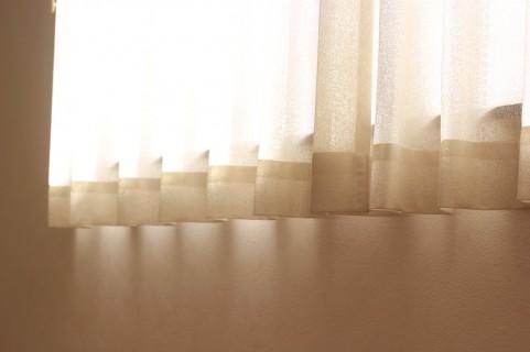 消臭効果のあるカーテン