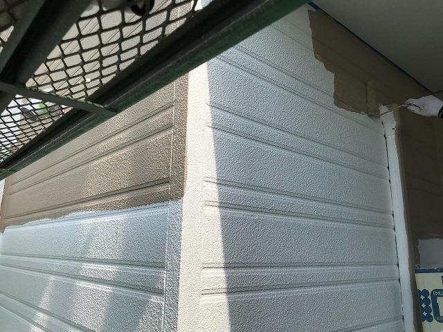 外壁中塗り クリーム色