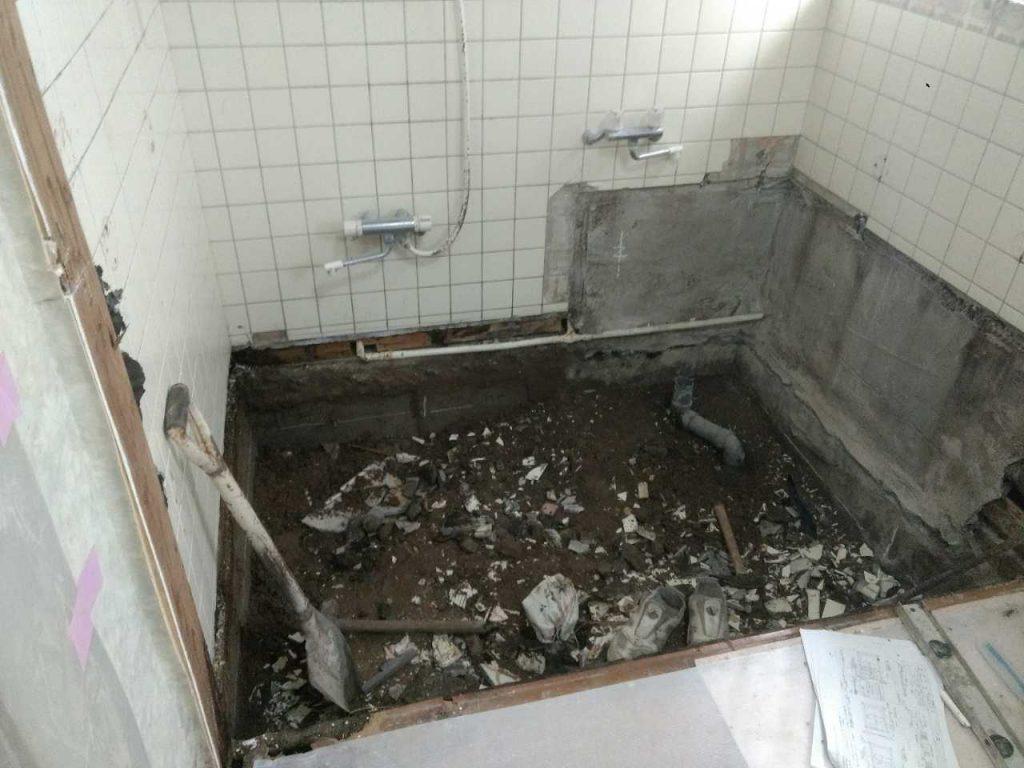 浴室・施工中・解体
