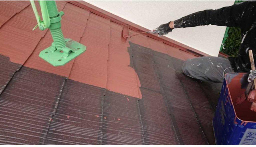 屋根中塗り赤色塗装