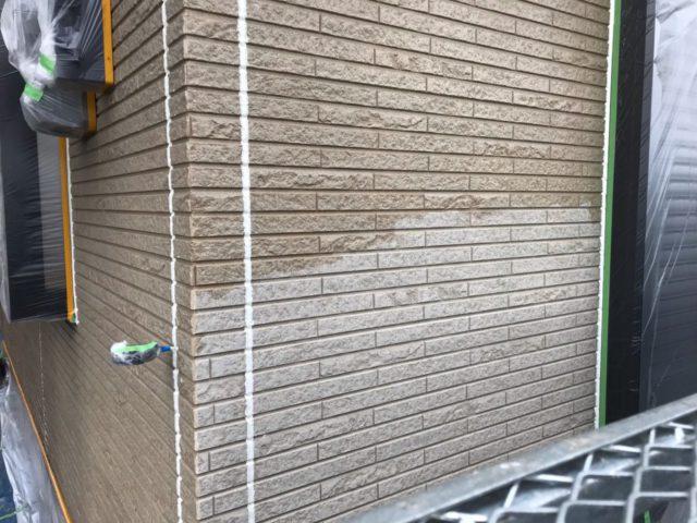 【宮崎県宮崎市】日ノ出にあるFRP防水ベランダの住宅で足場設置・養生・高圧洗浄を行います外壁下塗り_1_確定