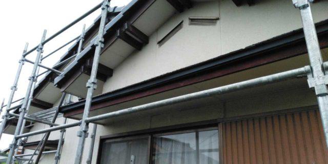 【鹿児島県曽於郡】大崎町にあるスレート屋根の住宅で足場設置・養生・高圧洗浄を行います足場設置_1_確定