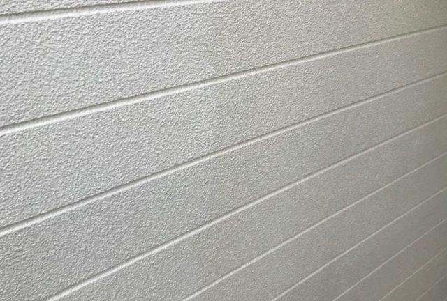 【宮崎県宮崎市】神宮にあるセメント瓦屋根の住宅で足場設置・養生・高圧洗浄を行います外壁上塗り_1_確定
