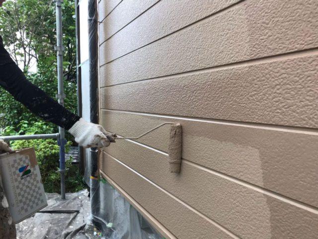 【宮崎県宮崎市】田野町にあるコロニアル&窯業系サイディングの住宅で足場設置・養生・高圧洗浄を行います外壁上塗り_1_確定