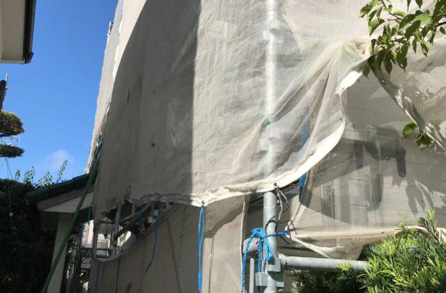 【宮崎県宮崎市】神宮にあるセメント瓦屋根の住宅で足場設置・養生・高圧洗浄を行います水養生_1_予備1
