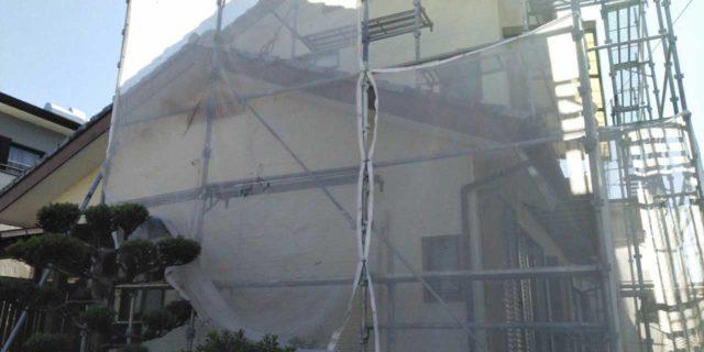 【宮崎県宮崎市】恒久にある粘土瓦の屋根の住宅で足場設置・養生・高圧洗浄を行います水養生_1_確定
