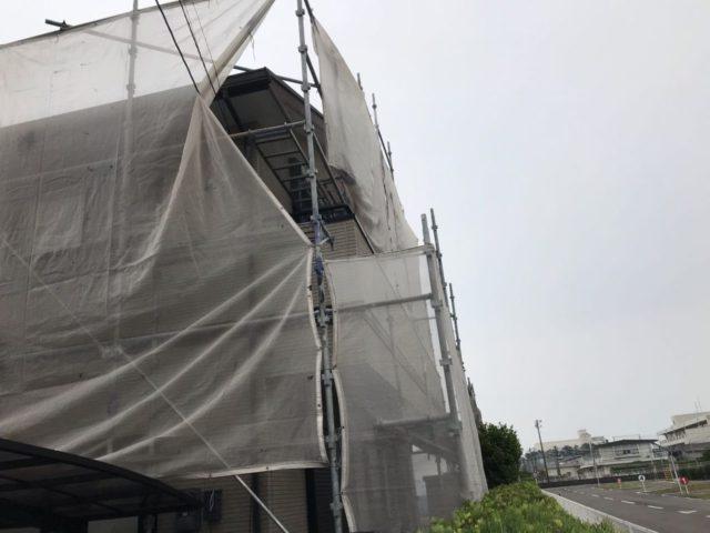 【宮崎県宮崎市】日ノ出にあるFRP防水ベランダの住宅で足場設置・養生・高圧洗浄を行います水養生_1_確定