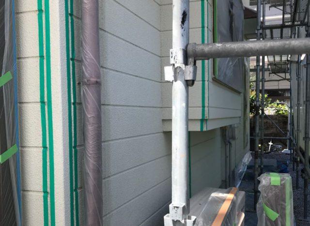 【宮崎県宮崎市】神宮にあるセメント瓦屋根の住宅で足場設置・養生・高圧洗浄を行いますマスキング・プライマー処理_1_確定