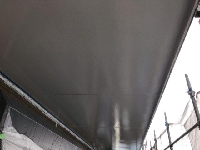【宮崎県宮崎市】日ノ出にあるFRP防水ベランダの住宅で足場設置・養生・高圧洗浄を行います軒天上塗り_1_予備1