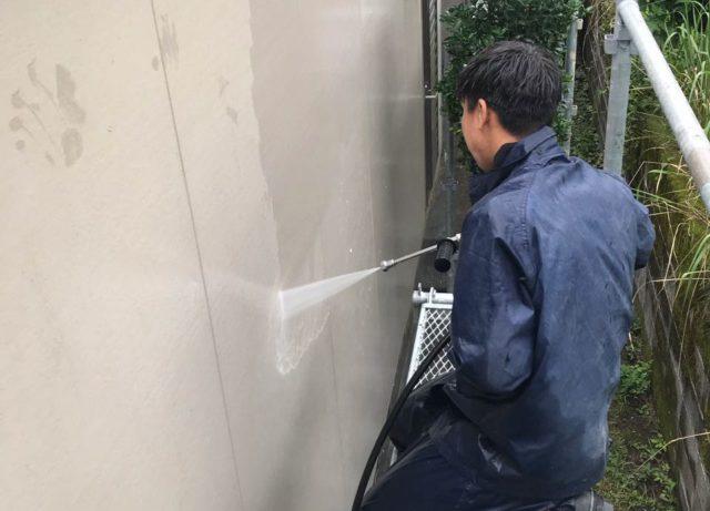 【鹿児島県霧島市】霧島田口にある住宅で高圧洗浄とシーリング工事を行います高圧洗浄洗い流し_1_確定