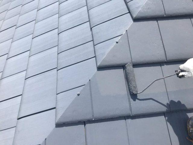 【宮崎県宮崎市】大坪東にあるセメント瓦屋根とFRP防水ベランダの住宅で仮設足場・高圧洗浄・シーリング工事を行います屋根上塗り_1_確定