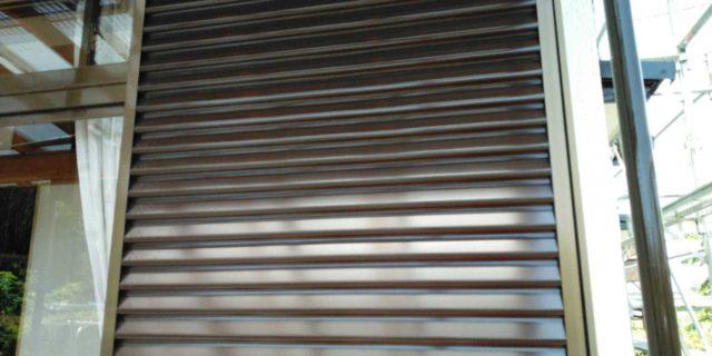 【鹿児島県曽於郡】大崎町にあるスレート屋根の住宅で足場設置・養生・高圧洗浄を行います雨戸上塗り_1_確定