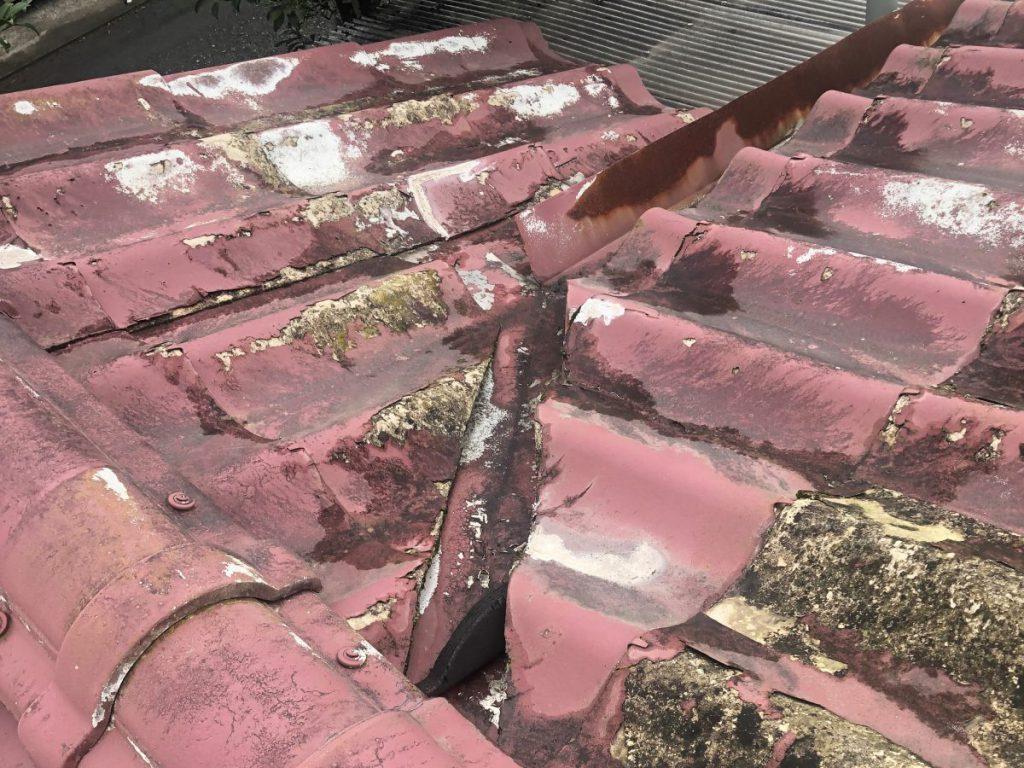 セメント屋根の膨れ