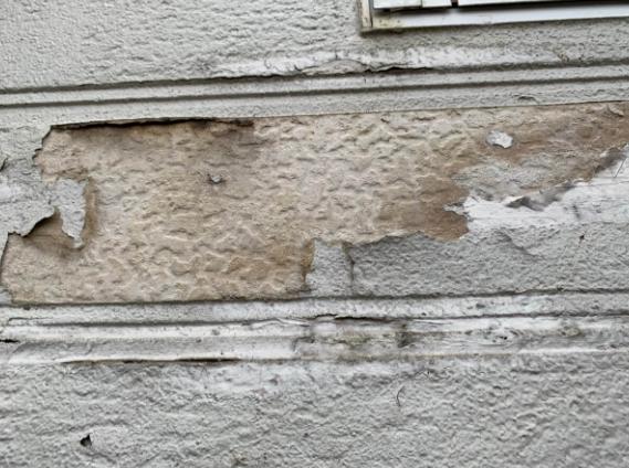 外壁の凍害による膨れ