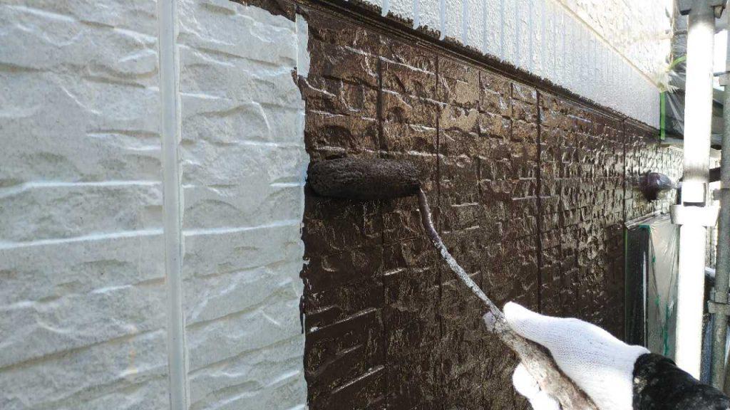 鹿児島市塗装工事の中塗りの様子