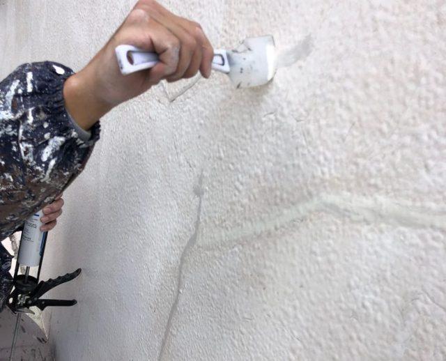 【宮崎県宮崎市】大橋にある住宅でモルタル外壁をセミフロンマイルドで塗装した工事外壁シーリング