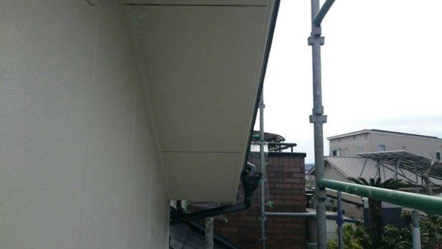 【宮崎県宮崎市】月見ヶ丘にあるタイル&窯業サイデ ィング外壁の住宅で塗装をした工事軒天上