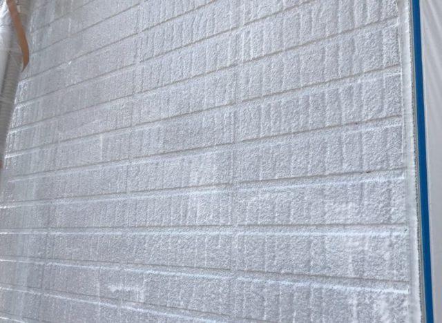 【宮崎県宮崎市】生目台にある45坪の住宅でサンドフレッシュSiで屋根塗装をした工事壁下ミラクシーラーエコ