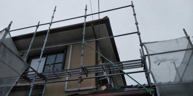 【宮崎県宮崎市】島之内にある万代ホームの築16年の住宅で外壁・防水塗装をした工事足場