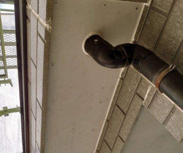 【宮崎・鹿児島地域】外壁や軒天、雨樋、玄関庇排水板金、雨水浸透ますなどを修繕・塗装した工事軒天補修
