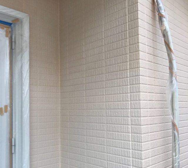 【宮崎県宮崎市】生目台にある45坪の住宅でサンドフレッシュSiで屋根塗装をした工事壁中微弾性カラーサーフ_