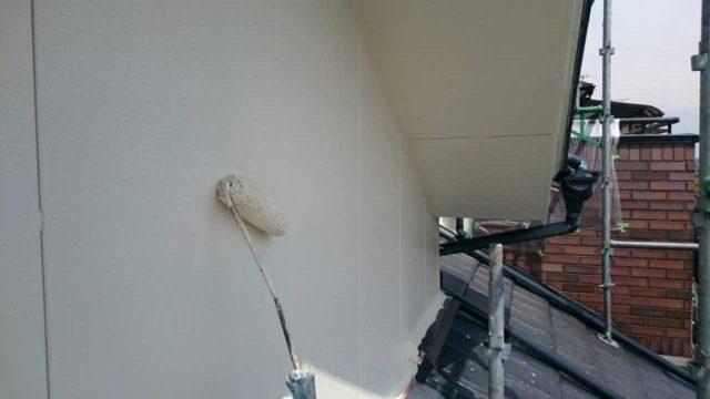 【宮崎県宮崎市】月見ヶ丘にあるタイル&窯業サイデ ィング外壁の住宅で塗装をした工事壁上