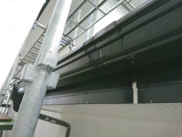 【宮崎・鹿児島地域】外壁や軒天、雨樋、玄関庇排水板金、雨水浸透ますなどを修繕・塗装した工事雨樋上塗り