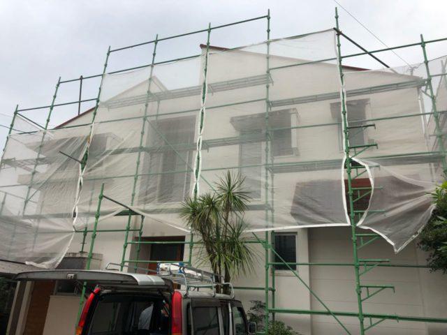 【宮崎県宮崎市】大橋にある住宅でモルタル外壁をセミフロンマイルドで塗装した工事養生