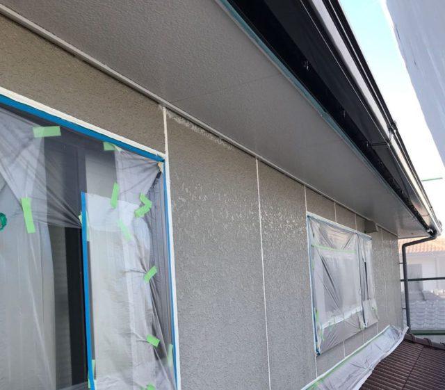 【宮崎県宮崎市】清武町にある住宅で瓦屋根とサイディング外壁を塗装した工事シーリング