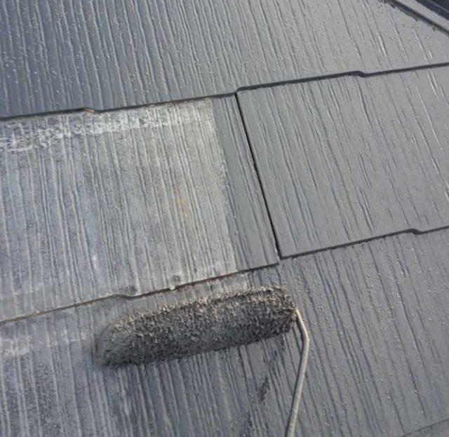 【宮崎県宮崎市】月見ヶ丘にある20坪の住宅で57平方メートルの外壁と92平方メートルの屋根を塗装した工事屋根中塗り