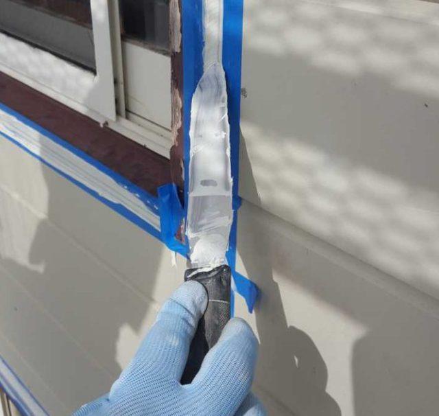 【宮崎県宮崎市】月見ヶ丘にある20坪の住宅で57平方メートルの外壁と92平方メートルの屋根を塗装した工事シーリングおさえこみ