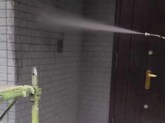 【宮崎・鹿児島地域】外壁や軒天、雨樋、玄関庇排水板金、雨水浸透ますなどを修繕・塗装した工事洗浄