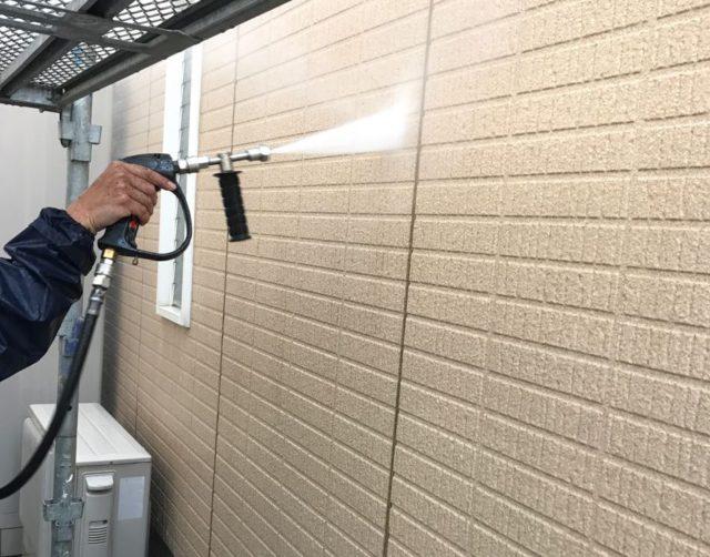 【宮崎県宮崎市】生目台にある45坪の住宅でサンドフレッシュSiで屋根塗装をした工事洗浄