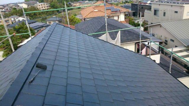 【宮崎県宮崎市】月見ヶ丘にあるタイル&窯業サイデ ィング外壁の住宅で塗装をした工事屋根上