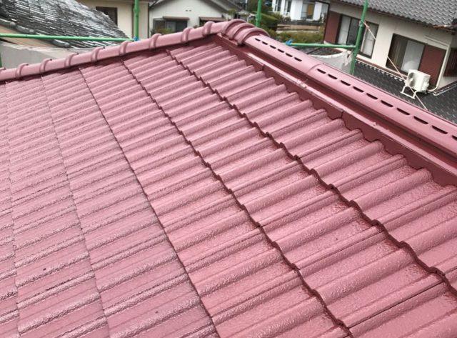 【宮崎県宮崎市】清武町にある住宅で瓦屋根とサイディング外壁を塗装した工事屋根上