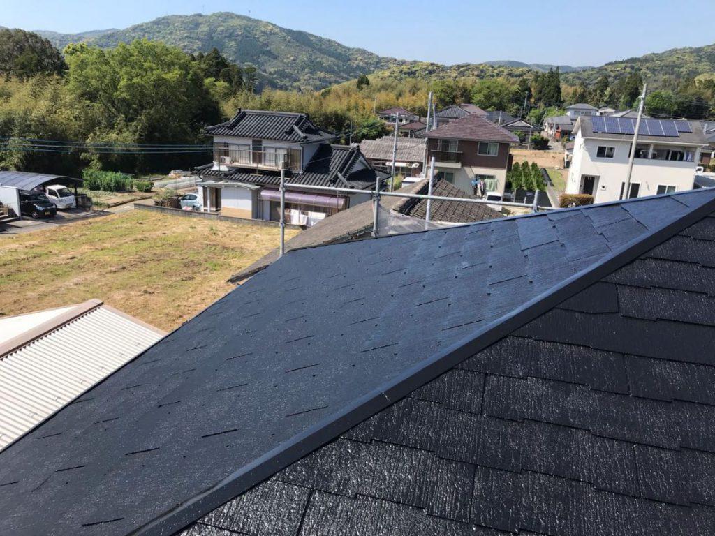 屋根塗装工事完成の様子