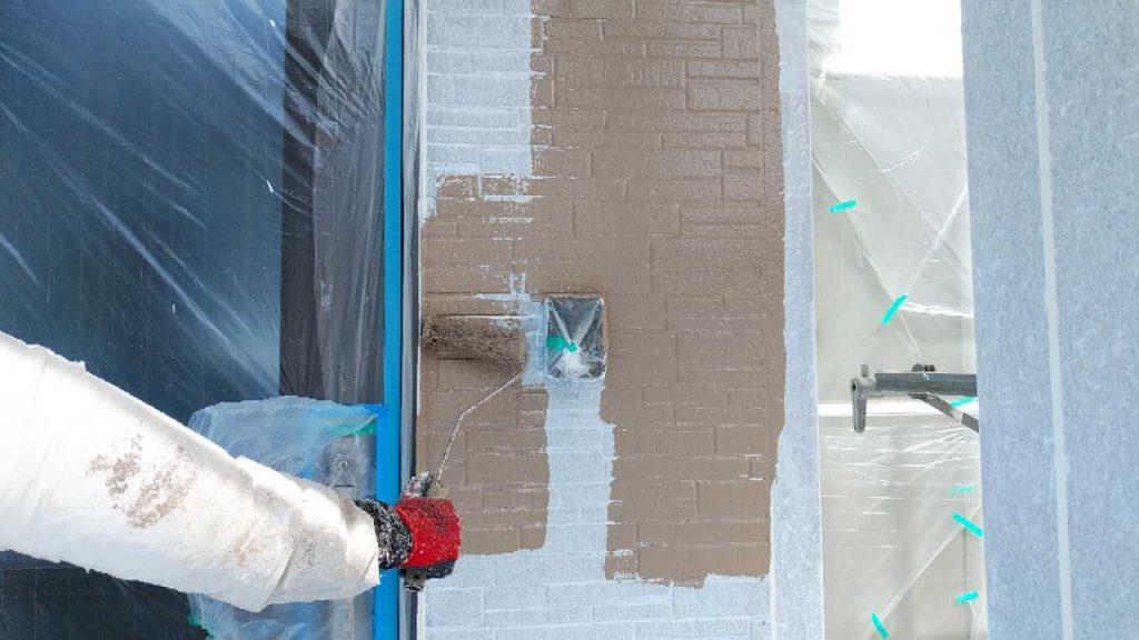 姶良市外壁塗装工事の様子