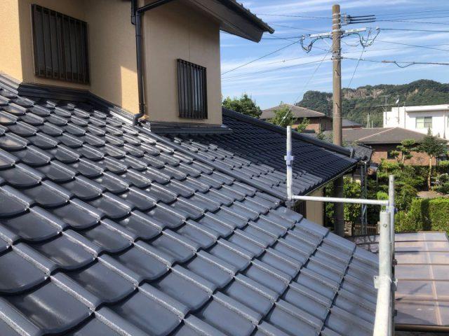 屋根の上塗り塗装工事
