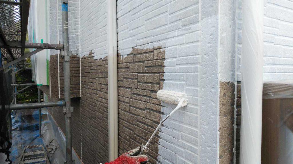 屋根外壁塗装工事の様子