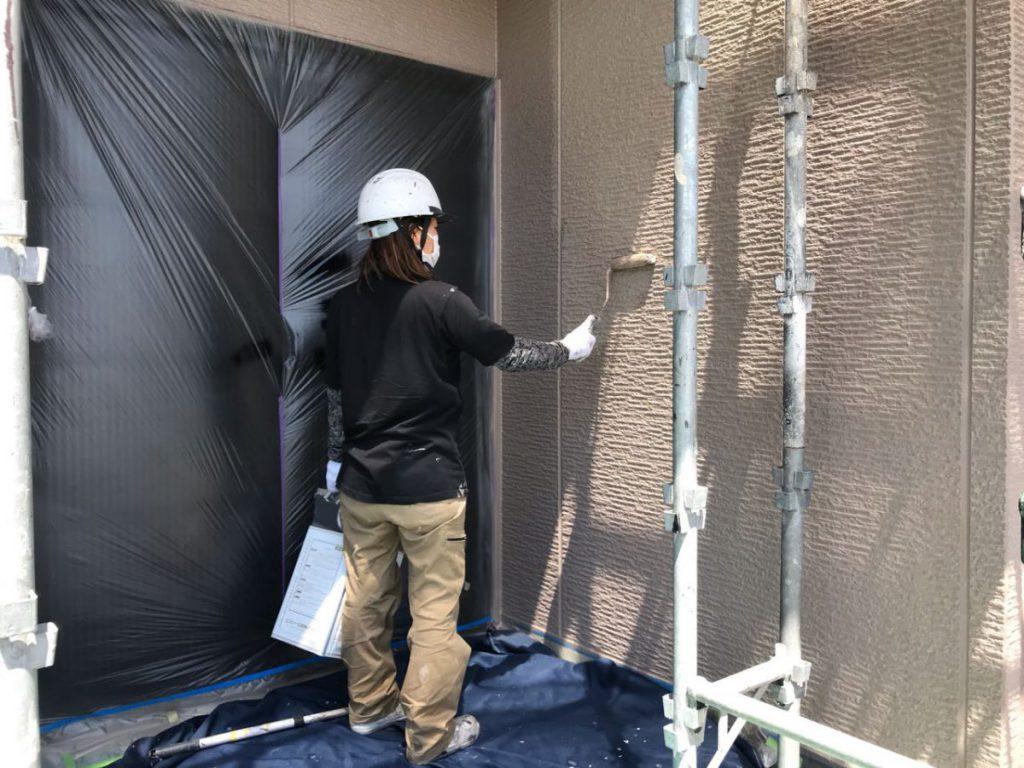 外壁上塗り塗装工事2回目の様子