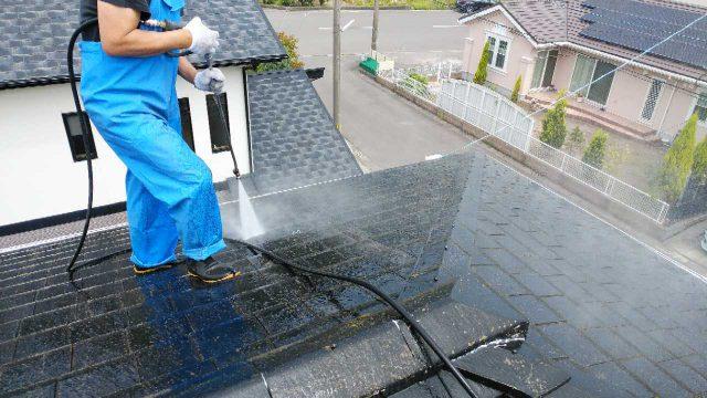 姶良市で行った屋根の高圧洗浄の様子