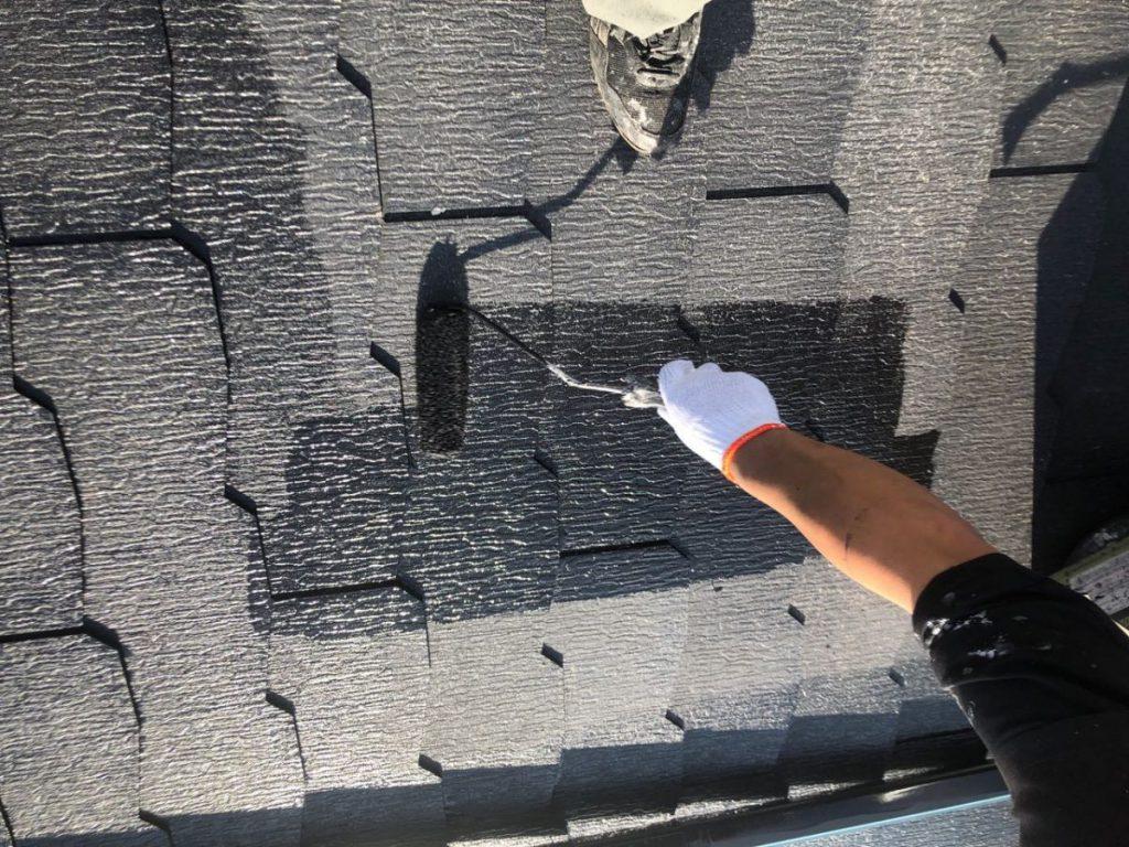 都城市屋根塗装工事の様子