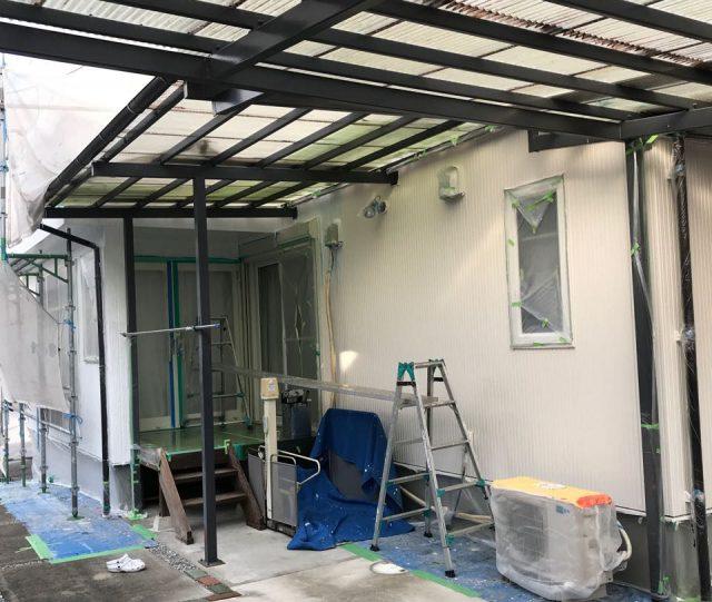 【宮崎県宮崎市】清武町で外壁とガルバリウム屋根、シーリング補修などをした工事外壁中塗り