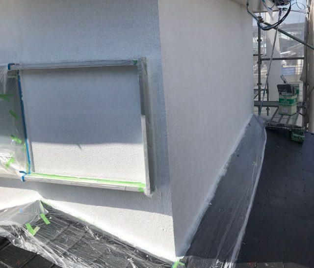 【宮崎県宮崎市】大字田吉でモルタル外壁とセメント瓦を塗装した工事外壁下塗り