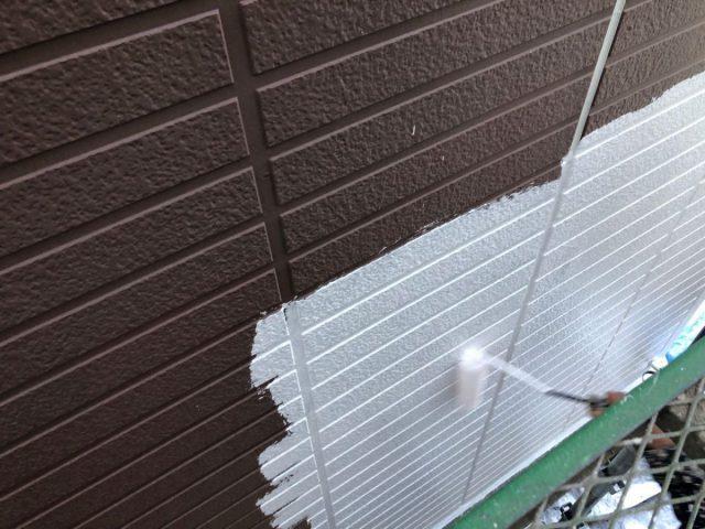 【鹿児島県霧島市】隼人町でアパート3棟工事外壁下塗り