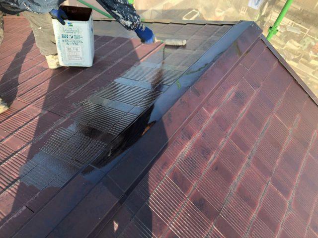 【宮崎県宮崎市】霧島の住宅でコロニアル屋根の下塗り