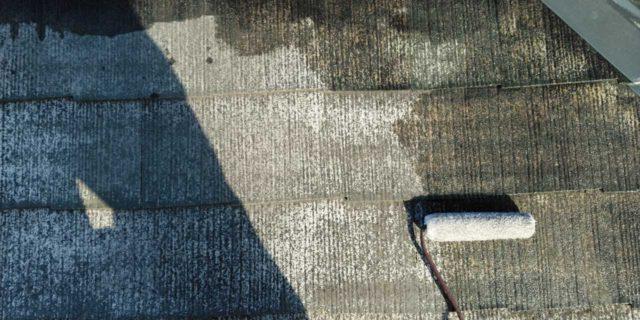 【宮崎県宮崎市】霧島にあるモルタル外壁の住宅で弾性プレミアムフィラーで塗装をした工事屋根下塗り