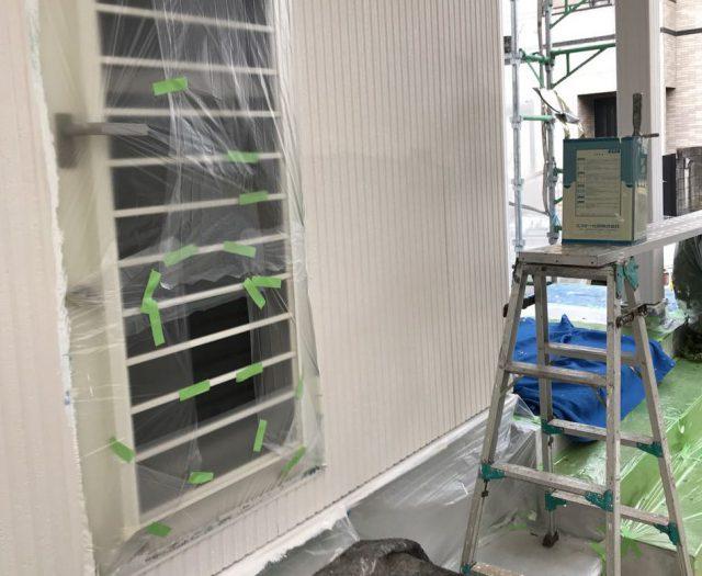 【宮崎県宮崎市】清武町で外壁とガルバリウム屋根、シーリング補修などをした工事外壁上塗り