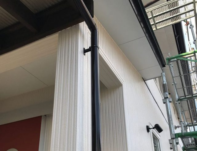 【宮崎県宮崎市】清武町で外壁とガルバリウム屋根、シーリング補修などをした工事雨樋上塗り