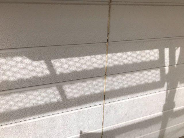 【宮崎県宮崎市】花山手にある42坪の住宅でコロニアル屋根と外壁の塗装工事シーリング撤去